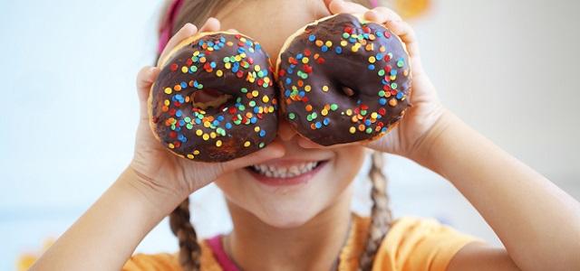 Πώς θα μειώσουμε την πρόσθετη ζάχαρη στη διατροφή των παιδιών;