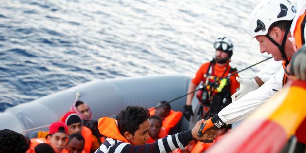 Βαριές καταγγελίες από τη Frontex: Οι ΜΚΟ συνεργάζονται με τους δουλεμπόρους