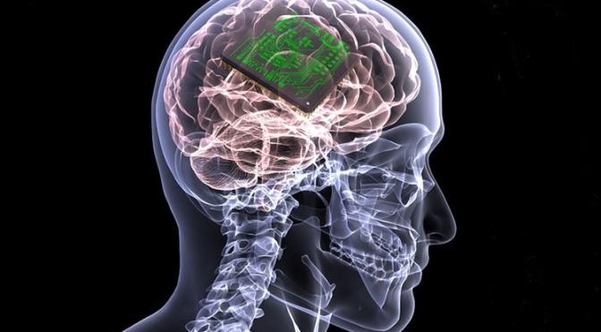 «Σκοτεινό» μέλλον: Για κίνδυνο μαζικής χειραγώγησης ανθρώπων μέσω εγκεφαλικών εμφυτευμάτων μιλούν ερευνητές