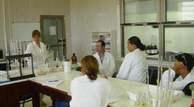 Η Κούβα δημιούργησε 4 εμβόλια κατά του καρκίνου: Ένα μάθημα για τις φαρμακευτικές που δεν είπαν όμως τα ΜΜΕ…
