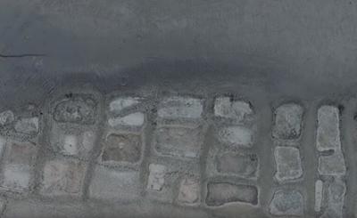 Περίεργα σχήματα στην άκρη της στεριάς – Τι κρύβεται πίσω από αυτές τις εικόνες