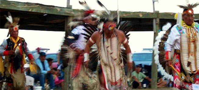 Πώς οι Αμερικανοί εξόντωσαν τους Ινδιάνους Λακότα που πίστεψαν ότι χορεύοντας με τα ιερά ενδύματα θα απέκρουαν τους λευκούς και τα όπλα τους…