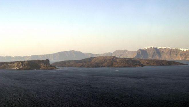 Ηφαίστειο Σαντορίνης: Σχέδιο έκτακτης δράσης – Υπαρκτός κίνδυνος ενεργοποίησης