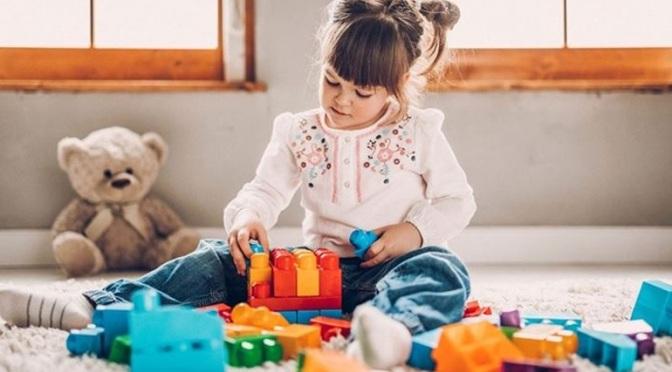 Τα παραδοσιακά παιχνίδια είναι καλύτερα από τα ψηφιακά για τα παιδιά λένε οι ειδικοί